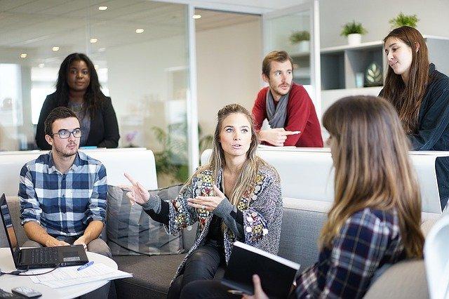 Jaką spółkę korzystniej założyć? Spółka cywilna wady i zalety
